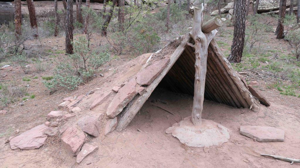 Abrigo del Arquero de los Callejones Cerrados y el Arboreto del Arrastradero